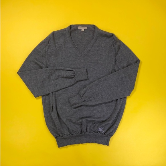 Burberry 100% wool v-neck sweater